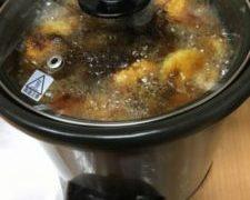 スロークッカーで初めてのカレー、鍋がカアサン休んでクダサイと言ってくれる・・・質素な晩ごはん